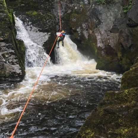 CANYONING GUIDED abseil